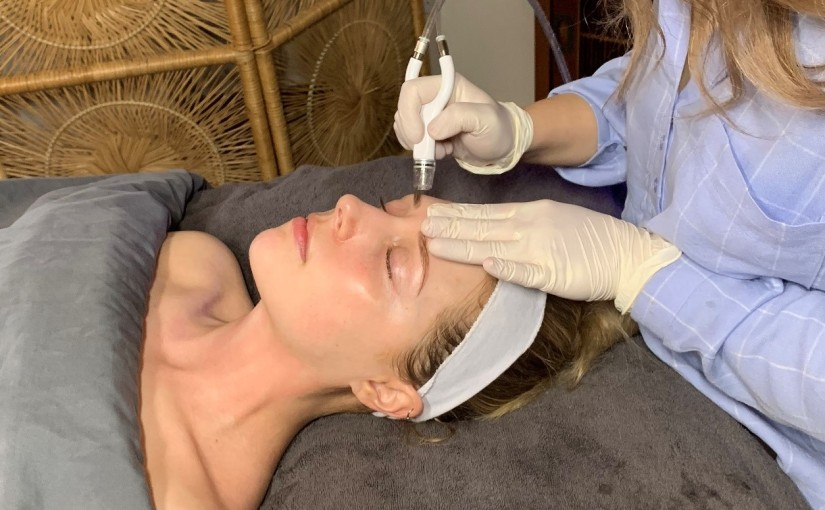 I Tried the Dermalinfusion Facial and It Was Awesome [HonestReview]